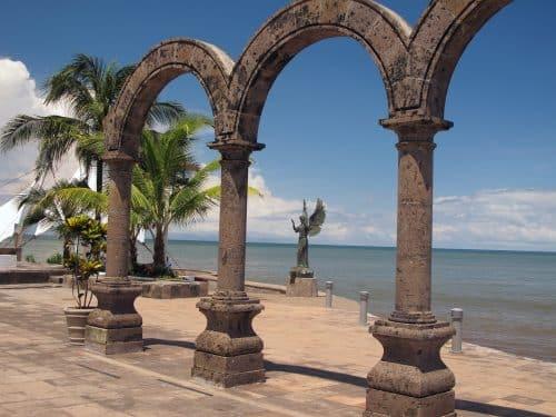 Krystal Cancun Timeshare Highlights a Puerto Vallarta Vacation